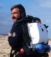 With a Dräger Dolphin  rebreather